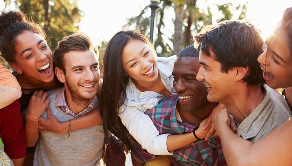 完全保存版】日本で生活しながら国際交流!外国人・日本人の友達を作る方法 | DISCOVER Ltd.